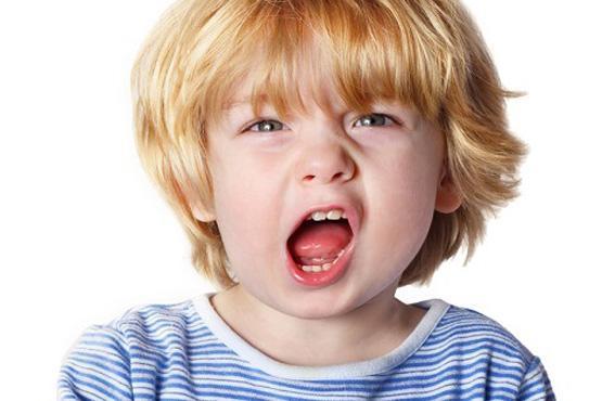 با خواسته های نامطلوب کودک مان چه کنیم؟