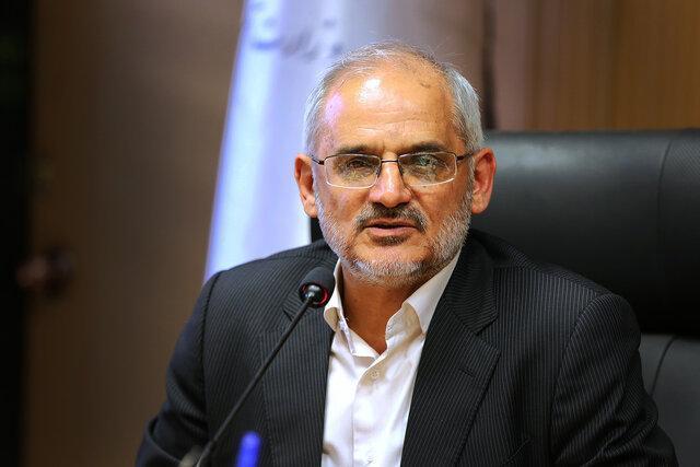 حاجی میرزایی برنامه هایش را در کمیسیون آموزش ارائه کرد