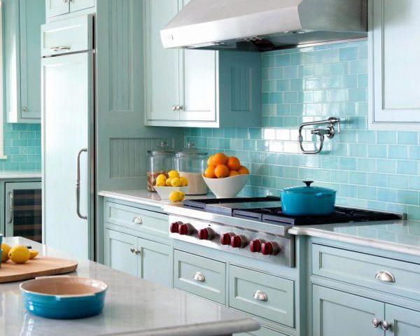 جذابیت کاشی شیشه ای در طراحی آشپزخانه