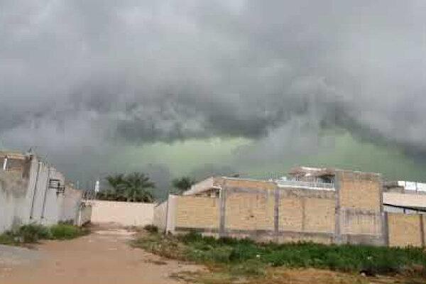 فیلم ، لحظه ورود ابرهای سبزرنگ به استان فارس