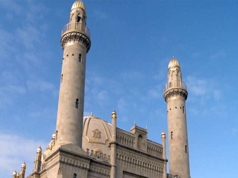 جمهوری آذربایجان 6 اردیبهشت را اولین روز ماه رمضان اعلام نمود