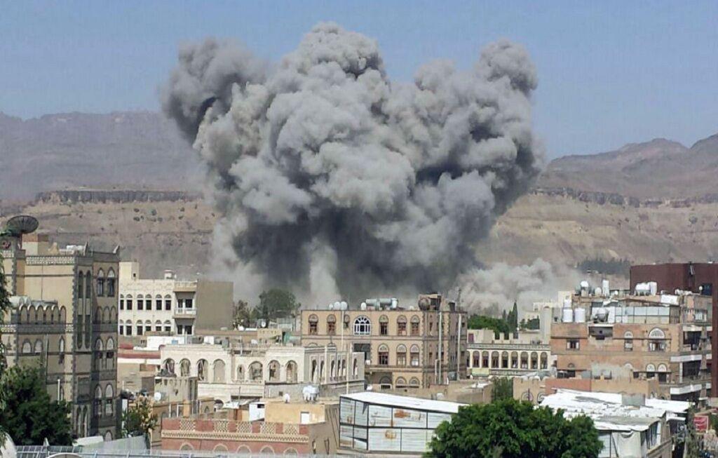 حمله بمب افکن های ائتلاف سعودی به منازل مسکونی صنعا