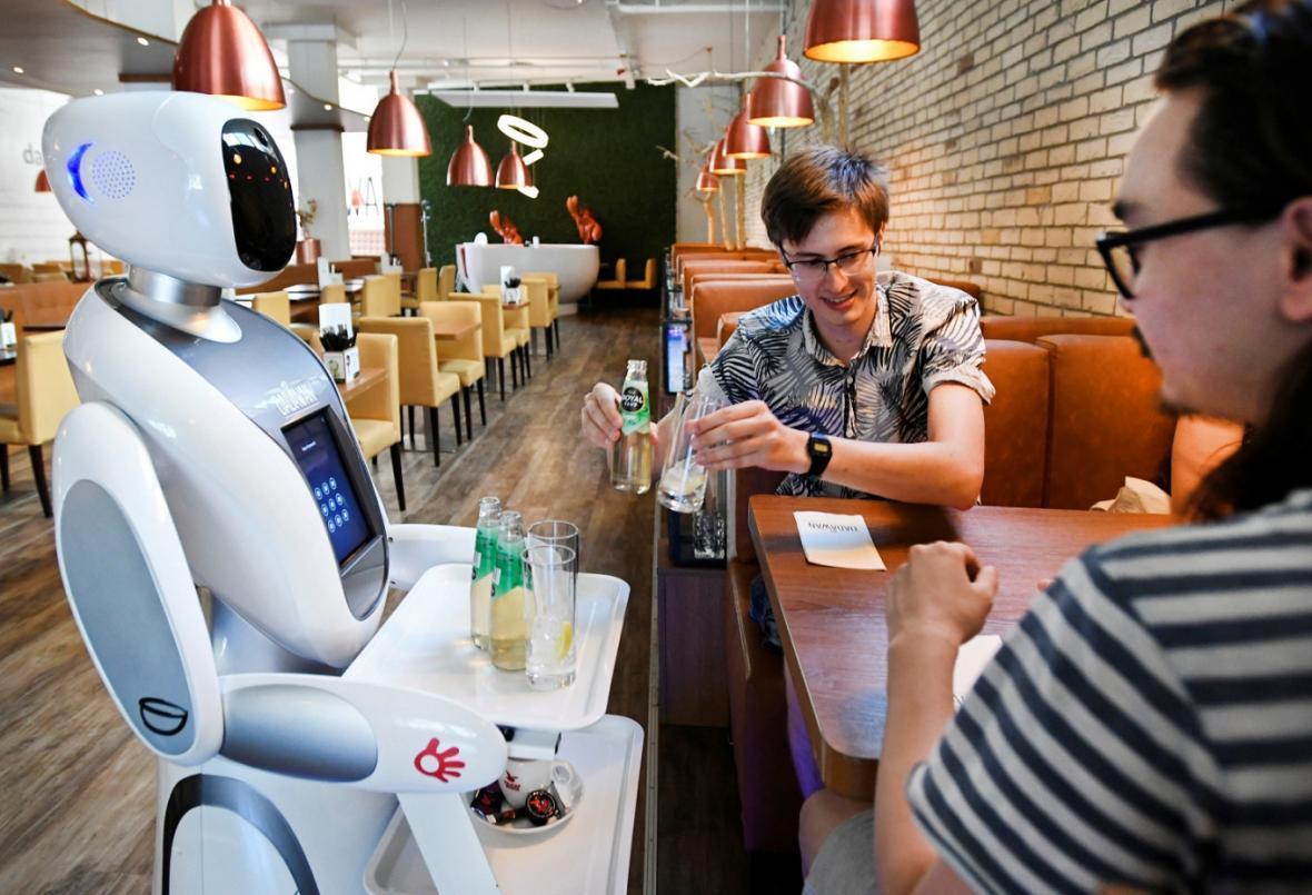 روبات ها ناجی رستوران های هلند می شوند