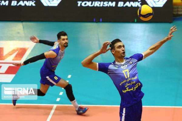 خبرنگاران تیم والیبال شهرداری گنبد در بازی دوم پلی آف لیگ برتر به پیروزی رسید