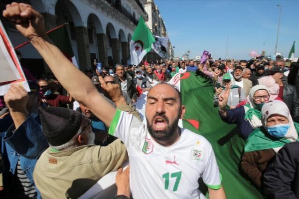 حبس موقت 24 تظاهرکننده معترض در الجزایر