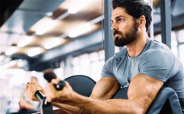 همه آنچه که باید از مزایا و معایب ورزش بدنسازی بدانید
