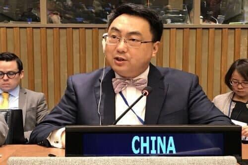 سفیر چین: آمریکا با لغو یکباره تحریم ها، گام نخست را بردارد