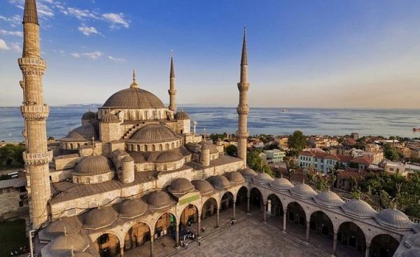 ترکیه 20 میلیون جهانگرد از برنامه سالانه خود عقب افتاد